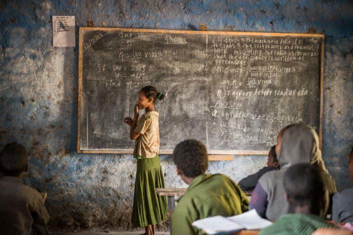 Mädchen in Schule in Äthiopien